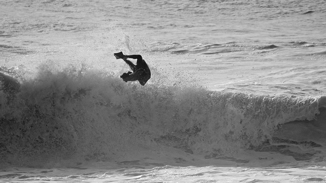 Alex Uranga. Praia do Norte, Nazaré. ©Bruno Norberto